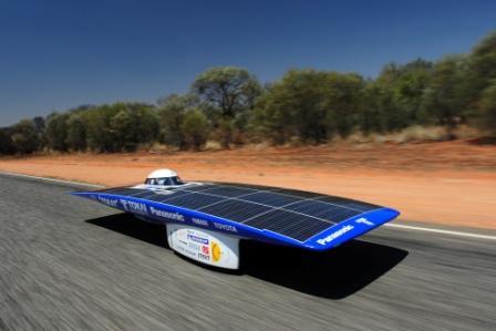 SolarCar_on_road